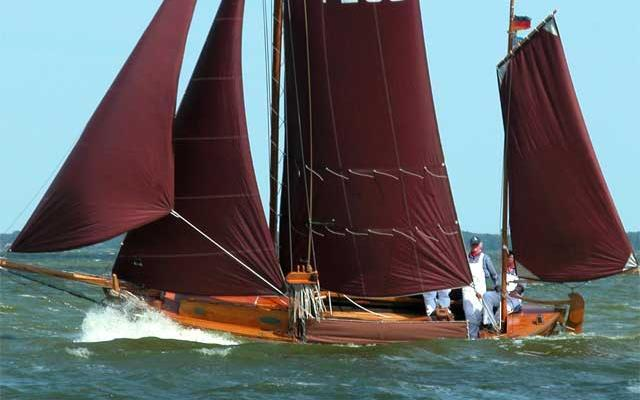 Already more than 100 years ago Zeesboot regatta have been carried out after the end of the main fishing season in autumn.